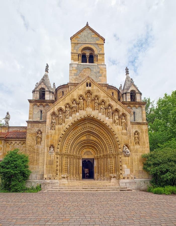 Jak Chapel en el castillo de Vajdahunyad de Budapest, Hungría fotos de archivo