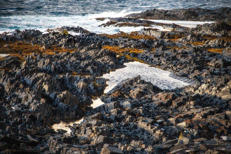 Jak ostrzy kamienie na plaży Barets morze fotografia stock