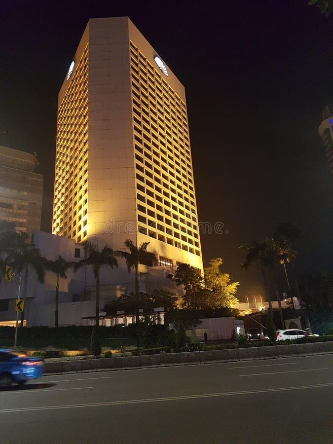 Jakarta en la noche imagen de archivo