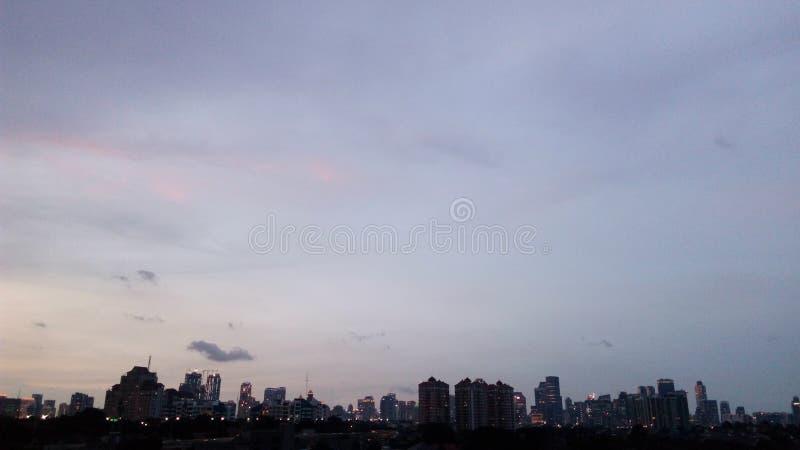 Jakarta en la puesta del sol fotos de archivo libres de regalías