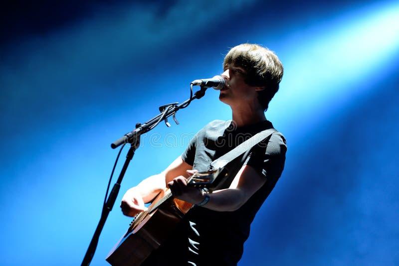 Jake Bugg Angielski muzyk, piosenkarz i kompozytora koncert przy Dcode festiwalem, fotografia stock