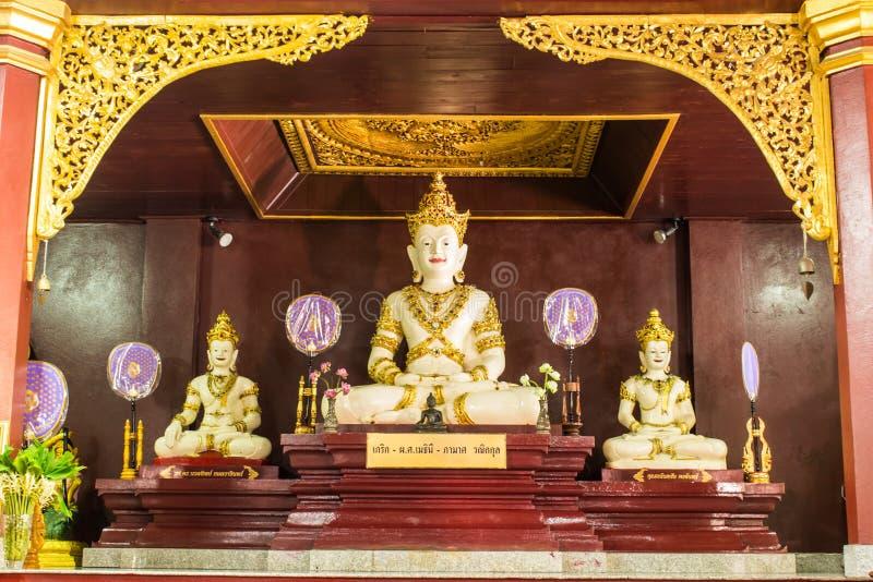 Jakkraphat Phra Maha Statue in Ubosot Wat Raja Mon Thian lizenzfreie stockfotografie