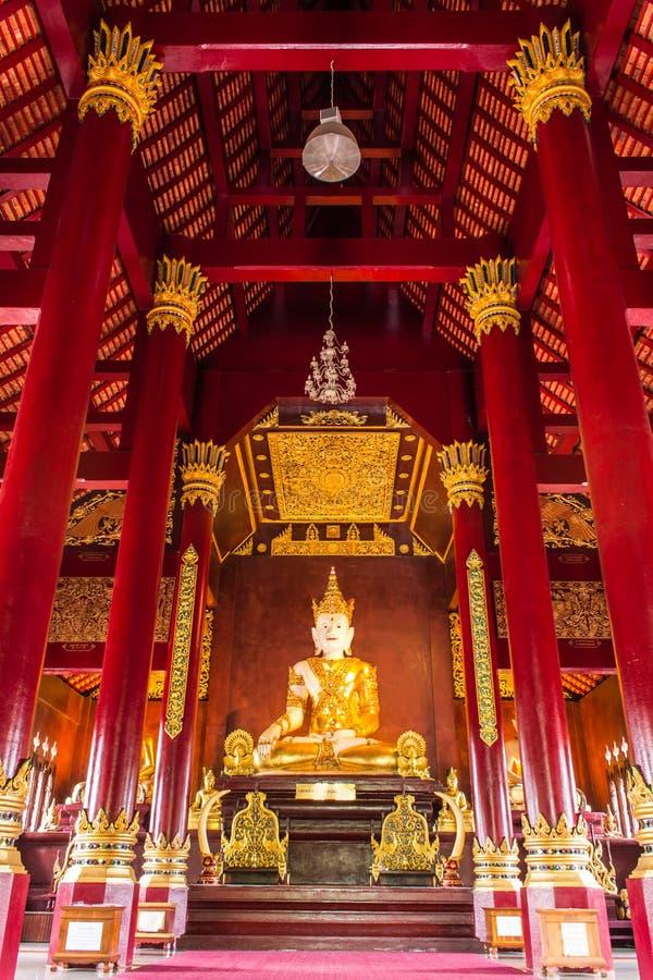 Jakkraphat Phra Maha Statue in Ubosot Wat Raja Mon Thian, Chian stockbild