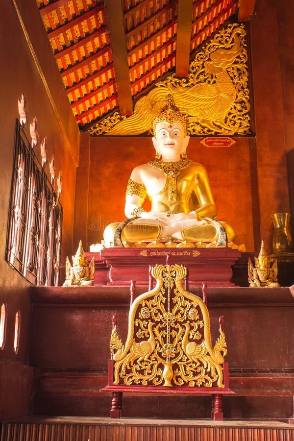 Jakkraphat Phra Maha Statue in Ubosot Wat Raja Mon Thian, Chian lizenzfreies stockfoto