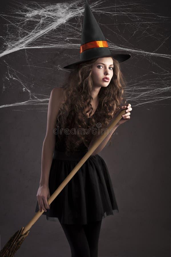 jako śliczna ubierająca dziewczyny Halloween czarownica obraz royalty free