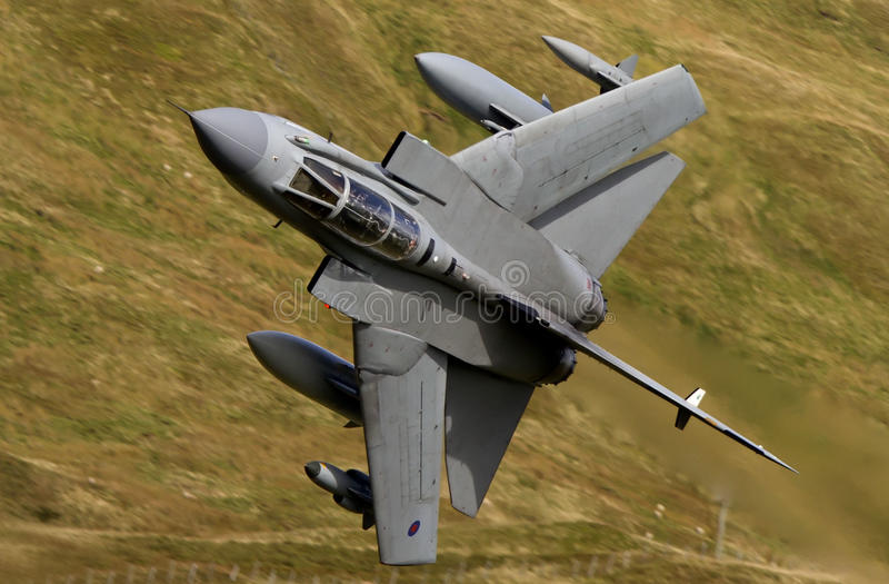 Download Jaktflygplan arkivfoto. Bild av lågt, sopa, nivå, kämpe - 37348066