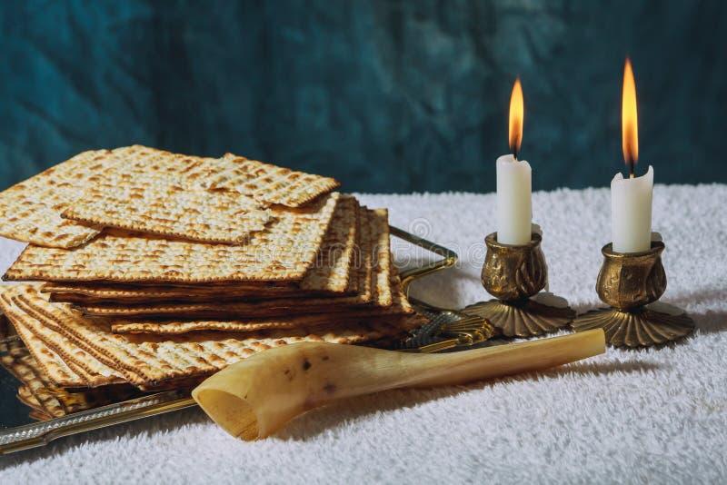 Jalá recientemente cocido hecho en casa para el ritual judío tradicional del Sabat del Sabat santo fotografía de archivo