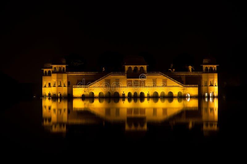 jal mahal宫殿水 库存照片