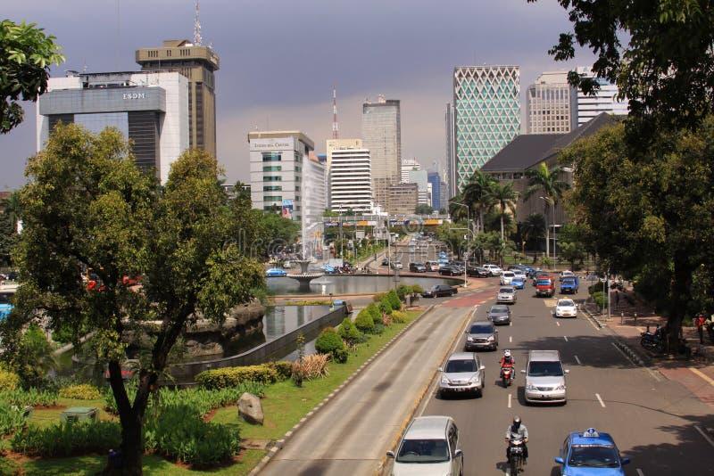 Jalan棉兰独立报,在雅加达在一个晴天 免版税库存图片