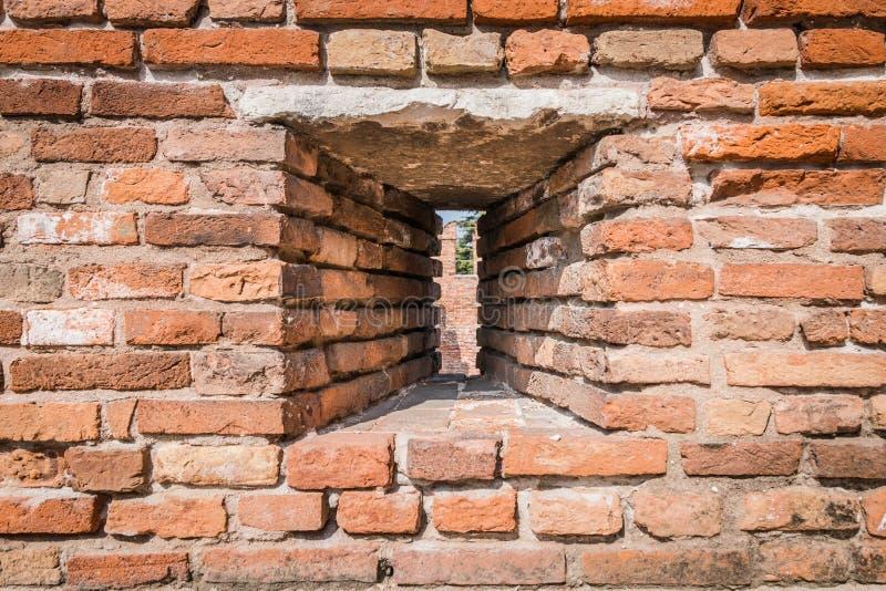 Jalousie hergestellt in der Schlosswand, um Bogenschützen zu erlauben, arro zu schießen lizenzfreie stockbilder