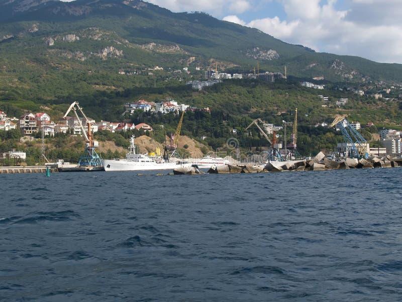 Jalta-Frachthandelsseehafen, Krim lizenzfreie stockfotografie