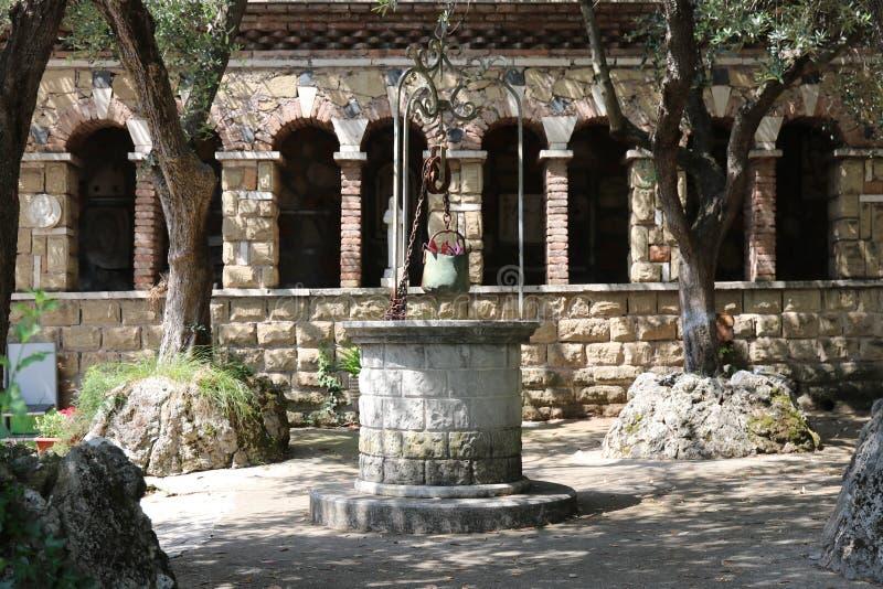 Jama objawienie przy Trzy fontannami w Rzym obrazy stock