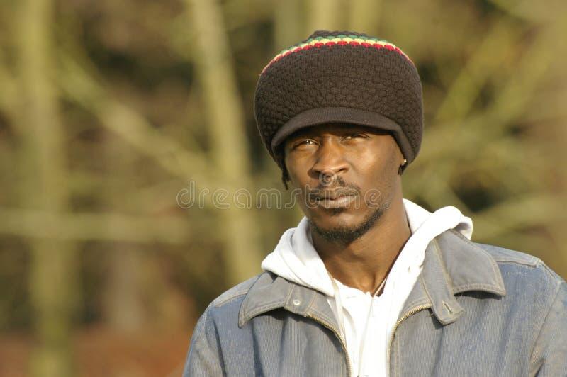 jamaican stående för hatt arkivbild
