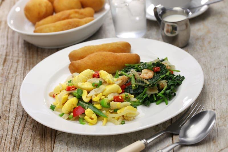 Jamaikansk frukost arkivfoton