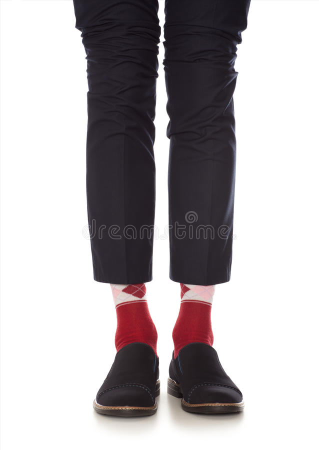 Jambe d'homme dans les chaussettes rouges photos stock