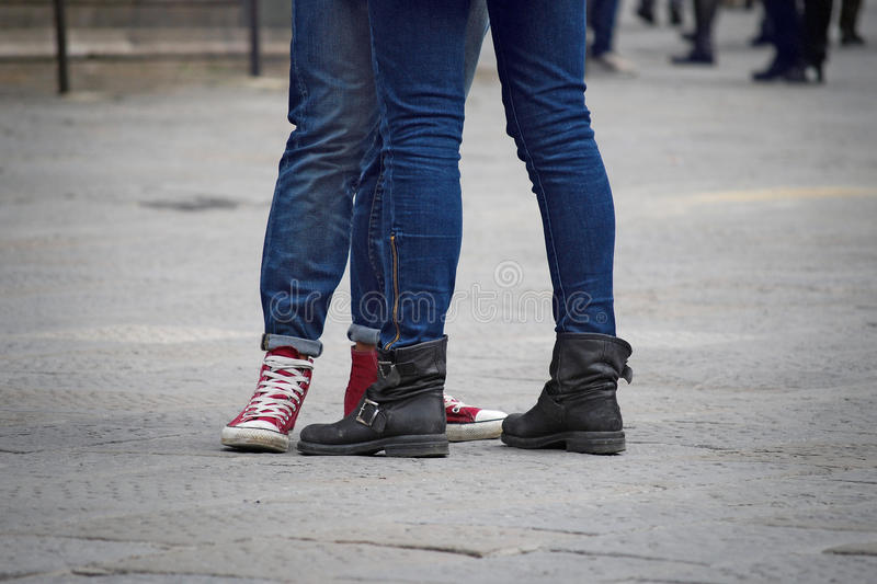 Couples de jambes d'adolescents photos libres de droits