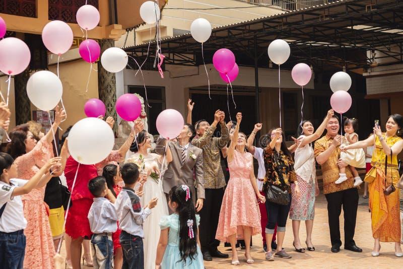 Jambi, Indonesien - 7. Oktober 2018: Luftballone wurden während einer Feier in einer chinesischen Feier freigegeben lizenzfreie stockfotografie