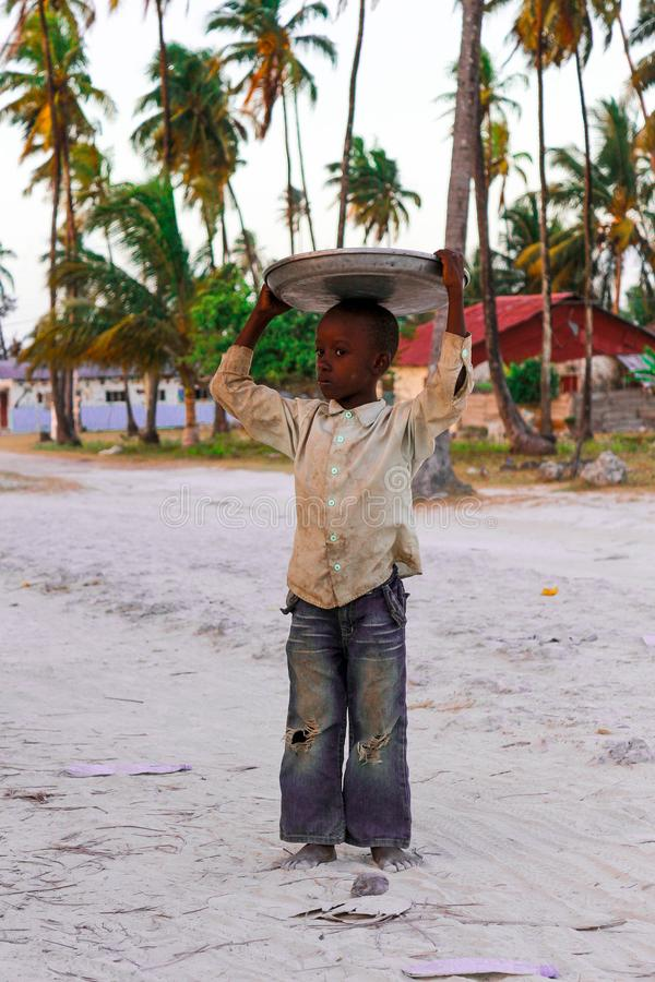 Jambiani桑给巴尔村庄,在fotball比赛以后 库存图片