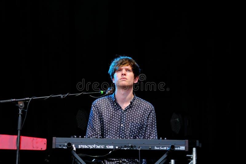 James Blake koncert, elektronicznej muzyki producent & kompozytor od Londyn, przy Matadero de Madryt obraz stock
