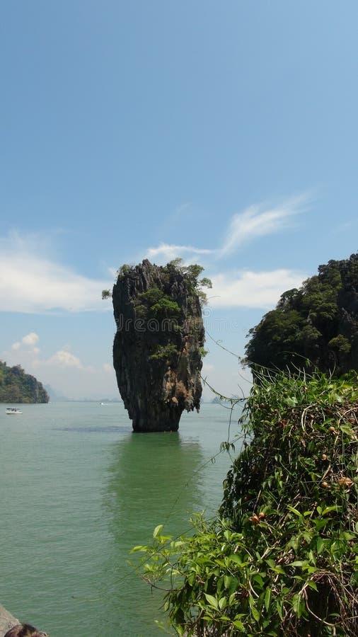 James Bond ö & x28; Khao Phing Kan& x29; på Phuket royaltyfria bilder