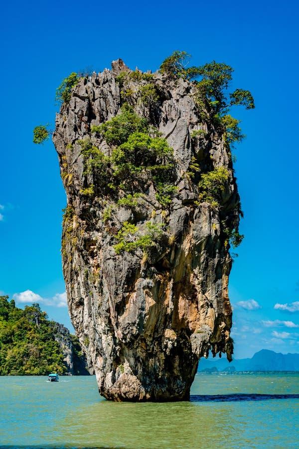 James Bond Island à la baie de Phang Nga près de Phuket, Thaïlande photographie stock libre de droits