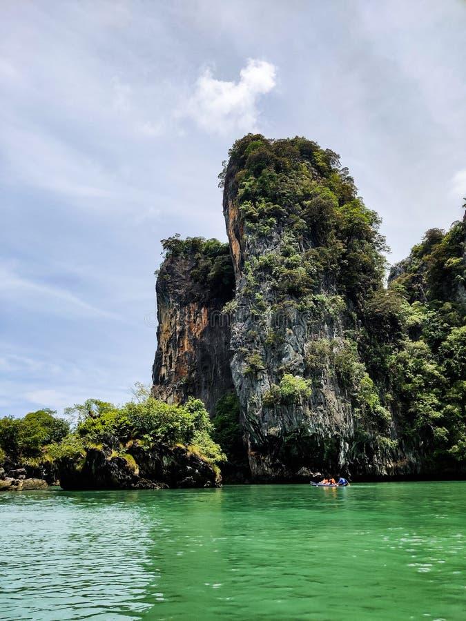 James Bond Island en la bah?a de Phang Nga imagen de archivo