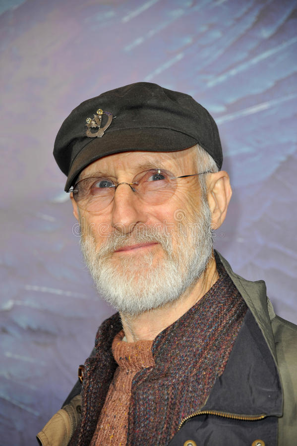 Download James Cromwell redaktionelles foto. Bild von cinerama - 26360896