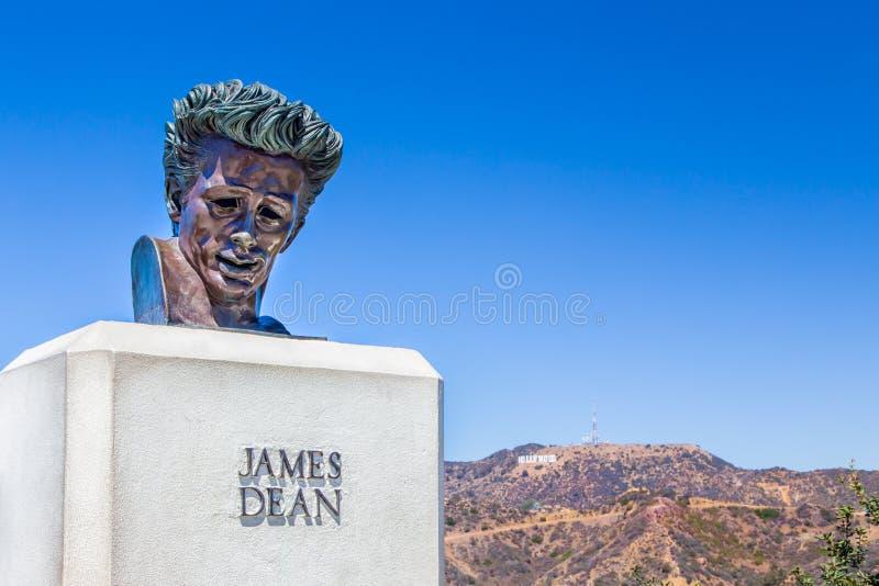 James Dean Sculpture i Hollywoodet Hills, Kalifornien royaltyfri foto