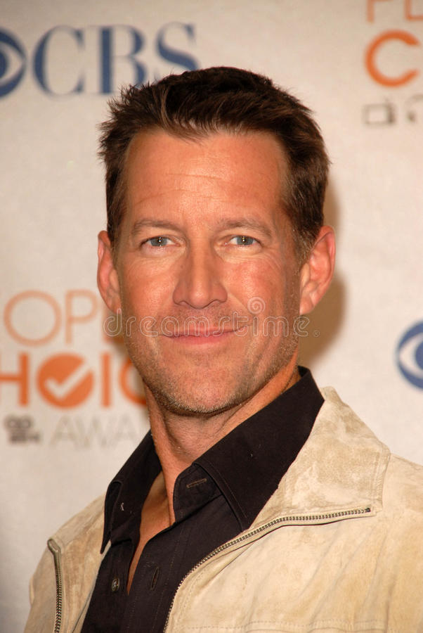Download James Denton redaktionelles foto. Bild von angeles, phasen - 26356356