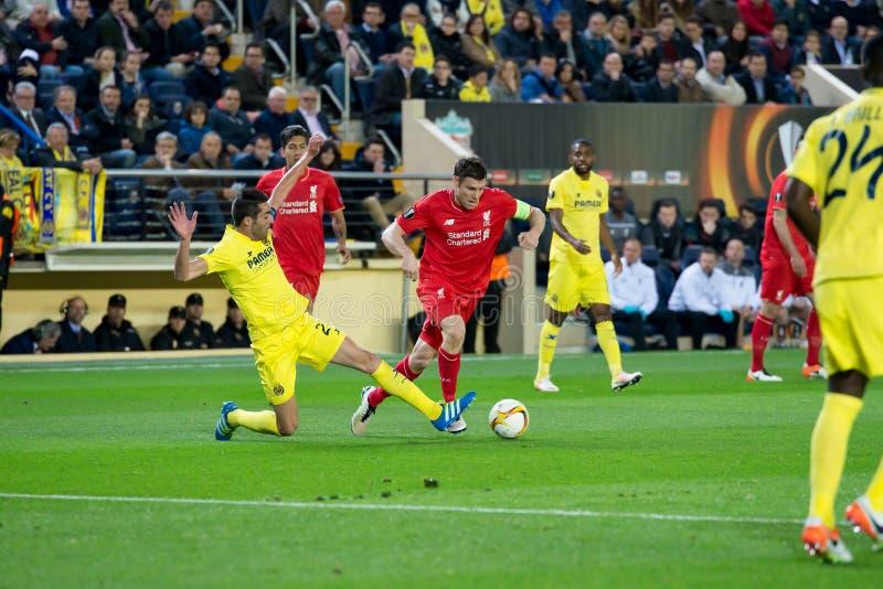 James Milner joue à la correspondance de demi-finale de ligue d'Europa entre le Villarreal CF et le Liverpool FC image libre de droits