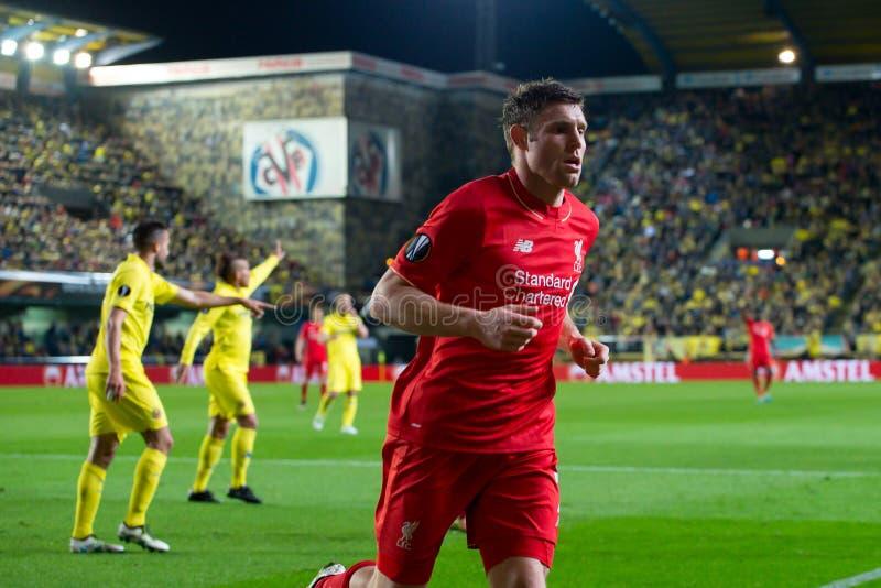 James Milner joue à la correspondance de demi-finale de ligue d'Europa entre le Villarreal CF et le Liverpool FC photos stock