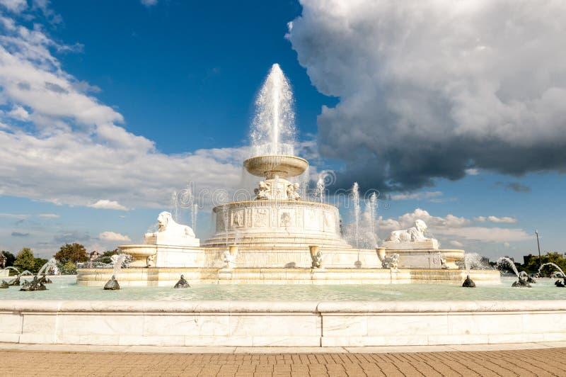 James Scott Memorial Fountain i Belle Isle Park, i Detroit, M arkivbilder