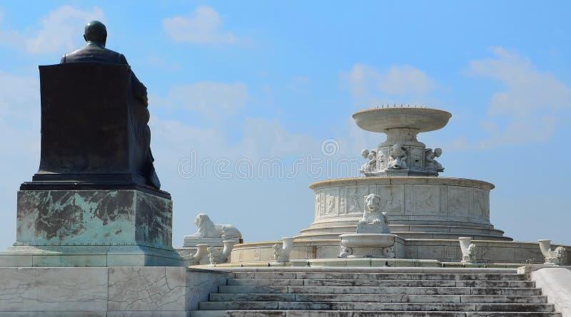 James Scott Watches Over His Fountain imagem de stock royalty free