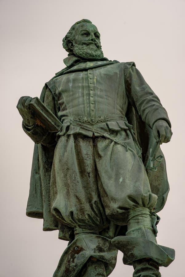 Jamestown Virginia - mars 27, 2018: Staty av kapten John Smith royaltyfri foto
