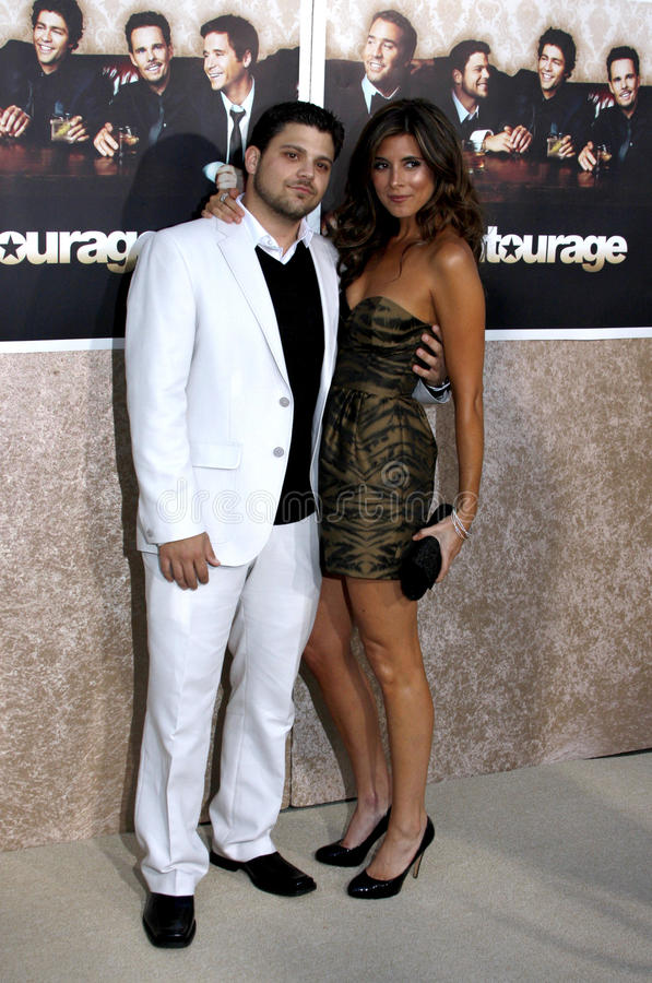 Jamie-Lynn Sigler and Jerry Ferrara. Jerry Ferrara and Jamie-Lynn Sigler at the HBO`s Official Premiere of `Entourage` Season 6 held at the Paramount Pictures royalty free stock images