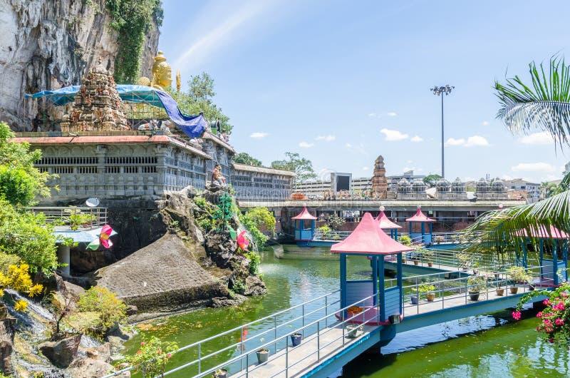 JAMY willa jest nowym turystyki przyciąganiem w Batu Zawala się Ja wznawiał Koja stawu przechwałki rozciągliwość balijczyka most  zdjęcia royalty free