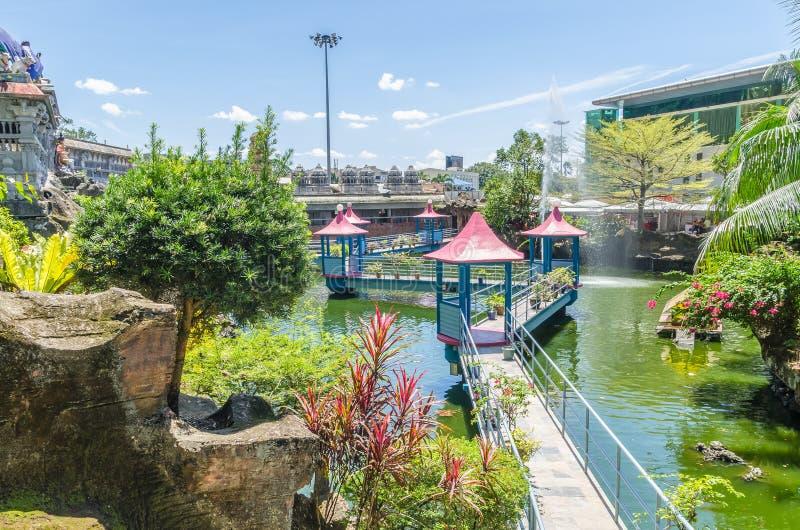 JAMY willa jest nowym turystyki przyciąganiem w Batu Zawala się Ja wznawiał Koja stawu przechwałki rozciągliwość balijczyka most  zdjęcie stock