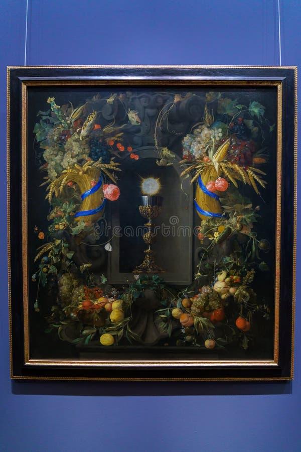 Jan Davidsz de Heem Eucharist en la guirnalda 1655 de la fruta en Kunsthi imágenes de archivo libres de regalías