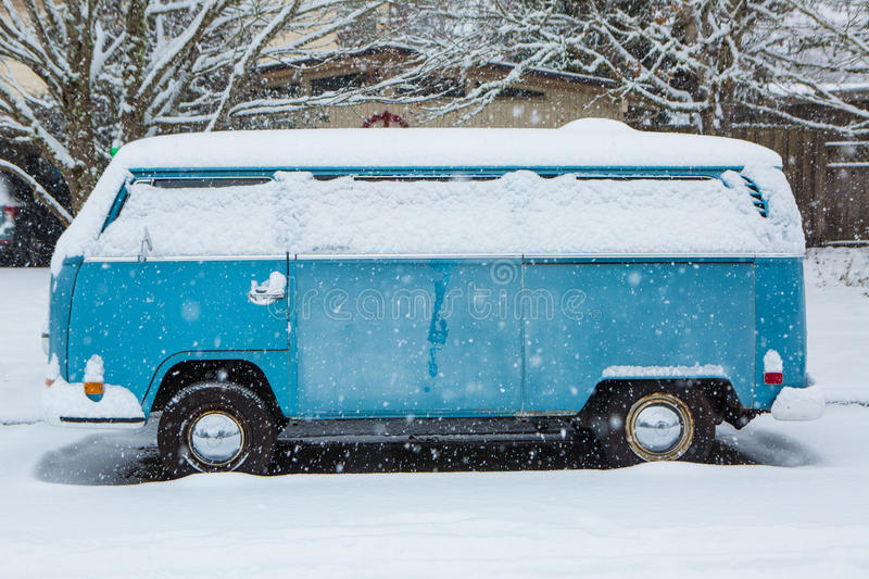 Download Jan 3, 2017 Eugene Or: A VW Micro Bus Is Buried In A Blanket Of Snow. Editorial Photo - Image: 83719926