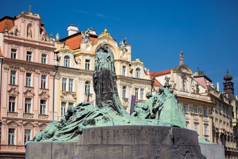 Jan Hus monument i Prague royaltyfri fotografi