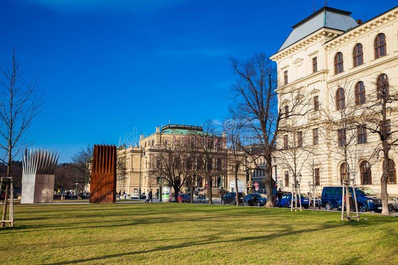 Jan Palach Square en het herdenkings geroepen Huis van de Zelfmoord en Huis van de Moeder van de Zelfmoord stock foto's
