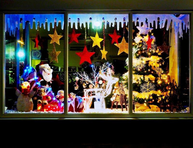 Janela da loja do Natal fotos de stock