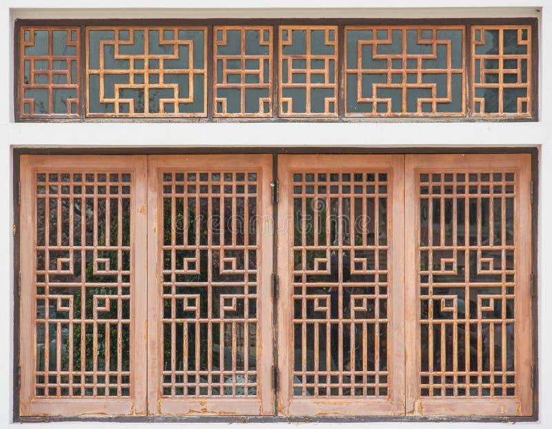 Janela de madeira do estilo chinês fotos de stock