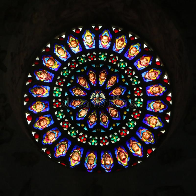 Janela de Rosa da catedral medieval de Todi fotos de stock royalty free