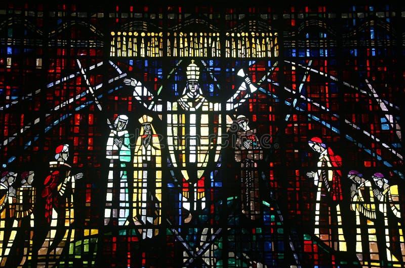 Janela de vidro colorida na igreja de Notre Dame d imagens de stock royalty free