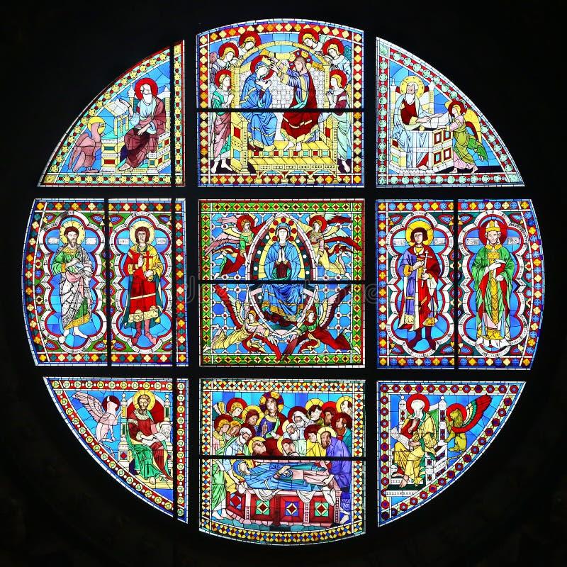 Janela de vidro colorido de Siena Cathedral, Itália foto de stock