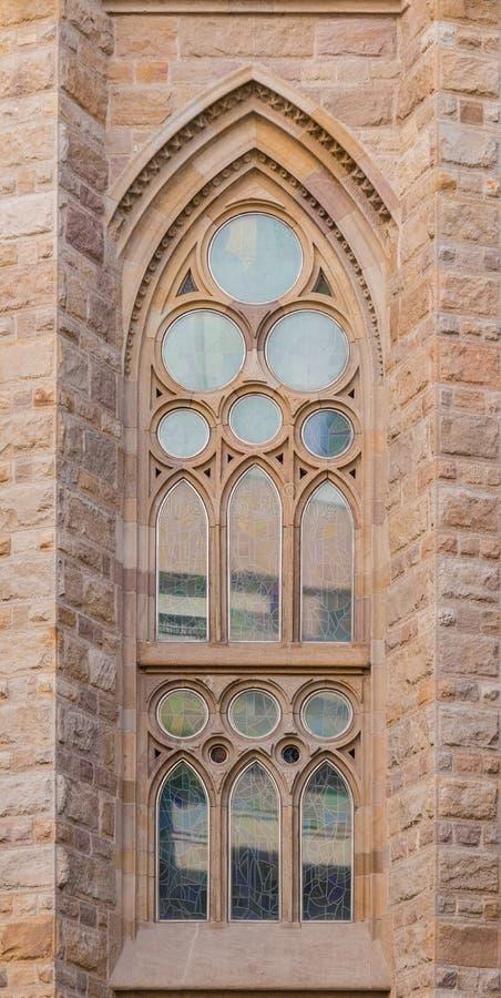 Janela de vitral do la Sagrada Familia de Expiatori de do templo foto de stock royalty free