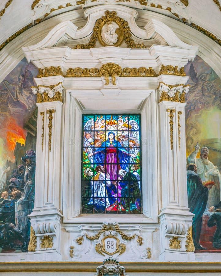 Janela de vitral no counterfacade da igreja do ¹ de Gesà em Palermo Sicília, Italy imagens de stock
