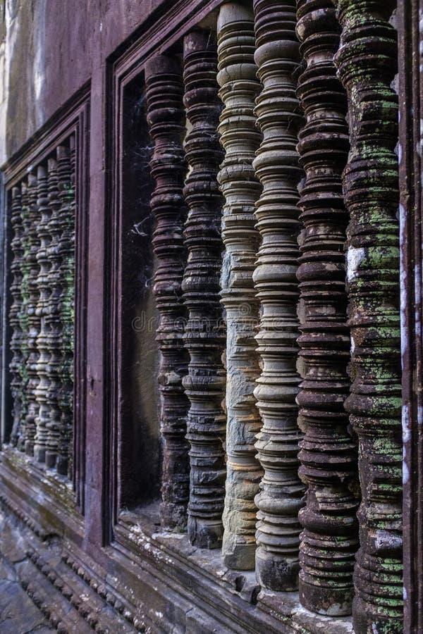 Janela decorada em Angkor Wat fotografia de stock royalty free