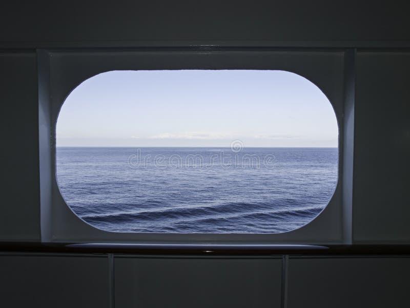 Janela do navio de cruzeiros fotografia de stock royalty free